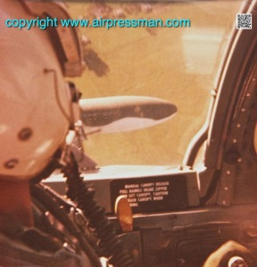A-37BCockpitCamou-2