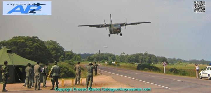 FAU 532 (Casa C-212) aterriando en la ruta 9-1