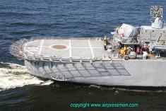"""El """"Nido Fllotante"""" de los BO-105, el ROU 04 """"Artigas""""./The BO-105 """"sailing nest"""", the ROU 04 """"Artigas""""."""