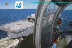 "Pasada baja a estribor del ""Artigas""./Low approach starboard of the ""Artigas""."